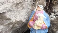 """Galbiate, vandali sul Monte Barro Madonna e Bambino """"decapitati"""""""