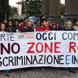 """Calolzio, Fischi incrociati   sulle """"zone rosse"""" , 25 aprile di tensione"""