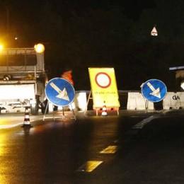 Civate , prove notturne di carico sul ponte  «Tutte positive, la struttura regge»