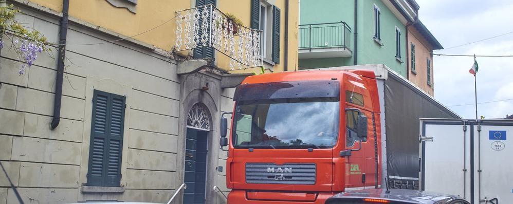 Frana sulla Statale 36, il giorno dopo  Traffico in tilt tra Bellano e Lecco