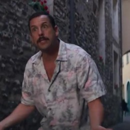 L'attore Adam Sandler in tv  Quella pizza a casa Clooney