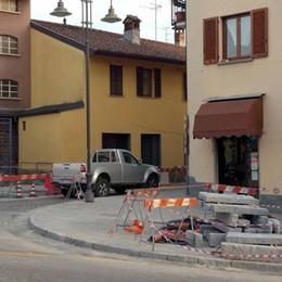 Dolzago, buone notizie per negozianti e residenti: i lavori in centro finiranno in anticipo
