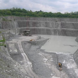 L'ex miniera di Brenno va al Comune  Holcim dice sì: sette giorni, poi la firma