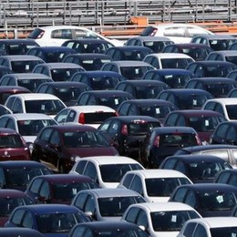 Lecco. Auto e veicoli leggeri  Più imprese di giovani e donne