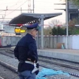 Travolto da un treno in stazione  Ritardi sulla linea Milano-Asso