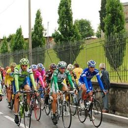 Giro d'Italia a Cantù nel giorno del voto   Festa grande, ma attenti ai disagi