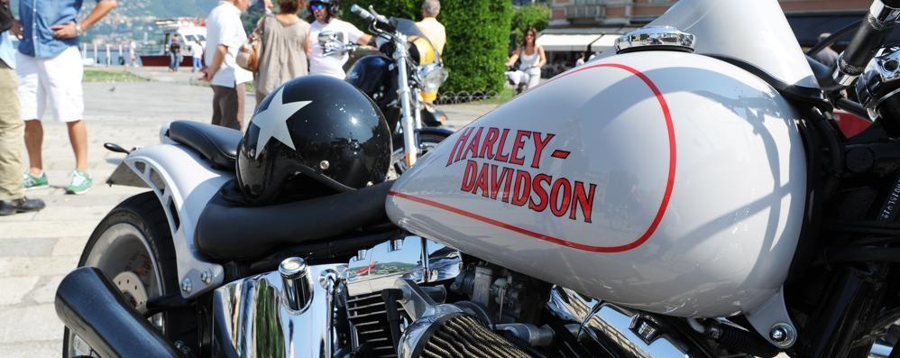 Bellagio, contro il muro con l'Harley Paura per motociclista di 27 anni