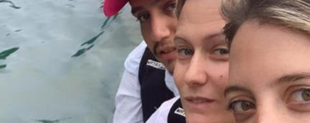 Incidente sul lago per Wanda Nara  Si ribalta con la moto d'acqua