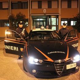 Rientra a casa e aggredisce il papà   Barzanò, fermato dai carabinieri