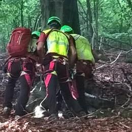 Tragedia in Alta Valle Intelvi  Escursionista precipita e muore