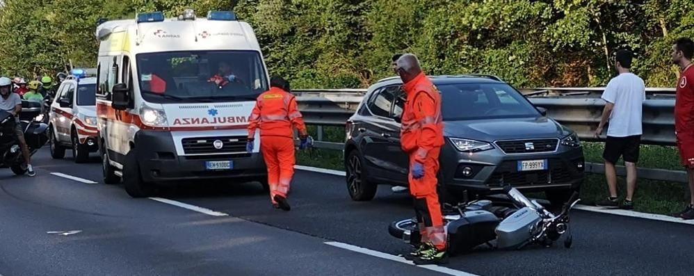 Nibionno, scontro sulla 36  Motociclista in ospedale