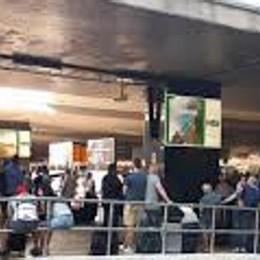 Treni, ritardi e cancellazioni  per l'incendio di una cabina  Come ottenere i rimborsi
