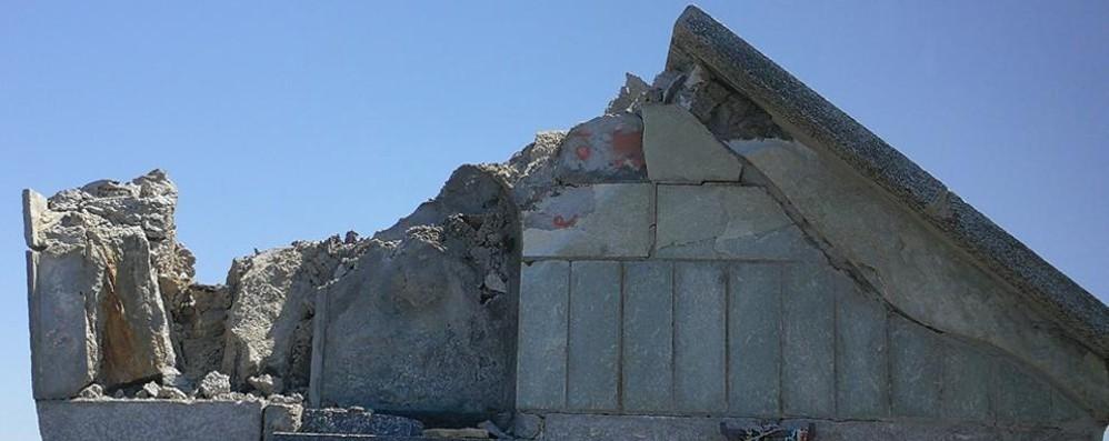 Colico, un fulmine distrugge la cappelletta  Gli alpini sul Legnone per ricostruirla