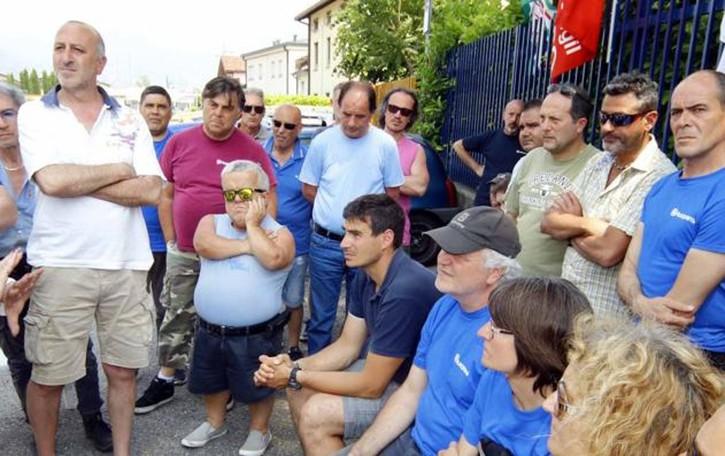 Valmadrera: lavoratori in crisi dal sindaco  «Benefit e riduzioni vanno estesi a tutti»