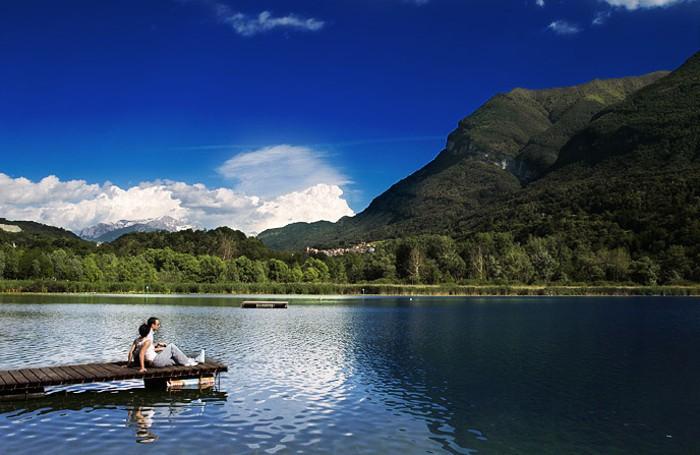 Lago di Piano autore anonimo via Wikimedia commons