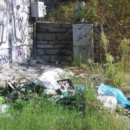 Abbadia, cantiere Anas vietato  Tagliano la recinzione e bivaccano