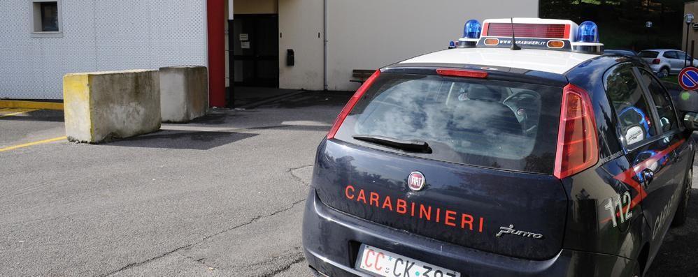 Olginate, minaccia di uccidersi  convinto a desistere dai carabinieri