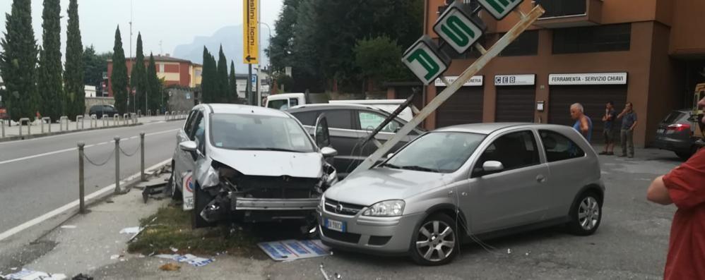 Vercurago, una Ford fa strike   e tampona due auto