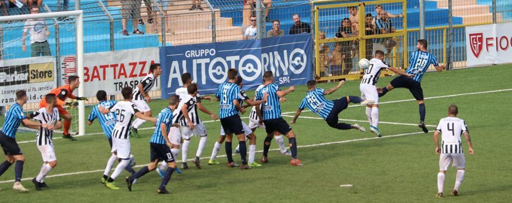 Lecco ko contro il Siena  Due gol senza colpo ferire