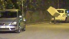 Scarica i rifiuti in strada  Multato per 600 euro