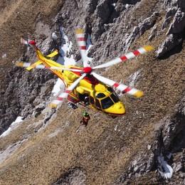 Alpinista nudo in Grignetta  Soccorso in vetta sul Cermenati