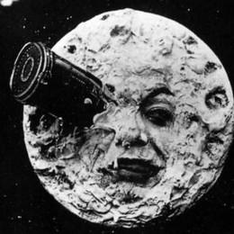 Il  Sociale parte per la luna:  invito a una giornata in orbita