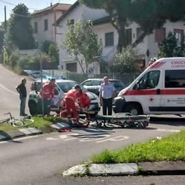 Castello, ferito ciclista  nello scontro con un'auto