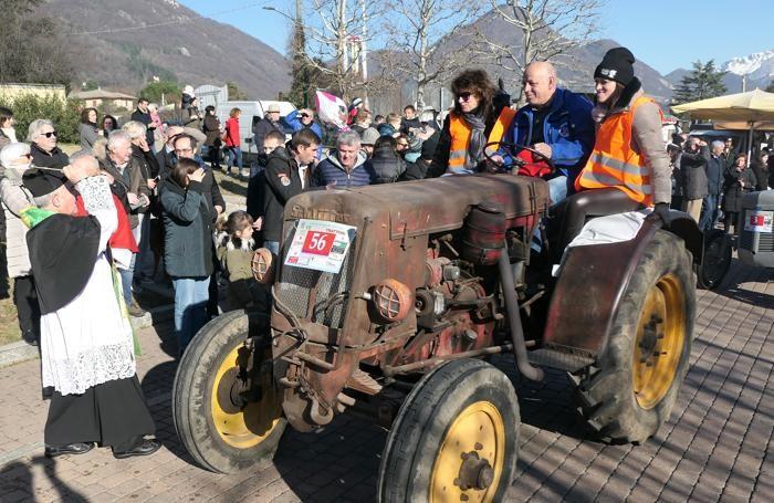 La tradizionale benedizione dei trattori