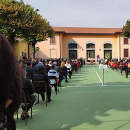 In 400 per l'addio a Manuel  Il rito nel campo dell'oratorio