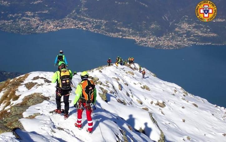 """In quaranta in vetta al Legnone  per """"allenarsi"""" a salvare vite in quota"""