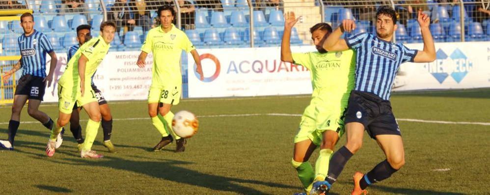 Il Lecco domina la Carrarese  Ma manca solo il gol