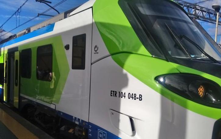 """Colico, presentato il """"Donizetti"""",   la tecnologia viaggia in treno"""