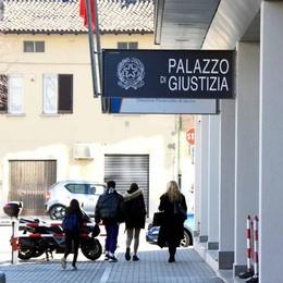 Finto carabiniere, vera truffa  Marito e moglie condannati