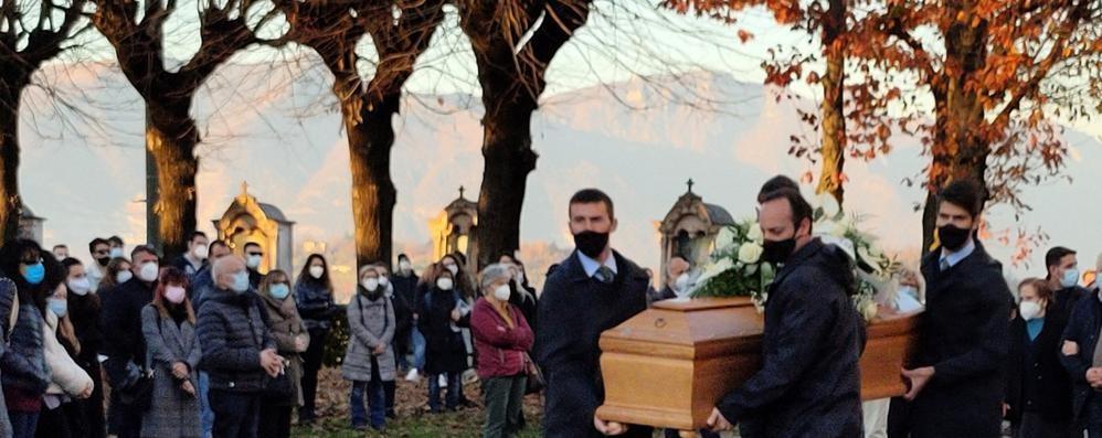 Alessia, struggente addio  «Ora respira la libertà»