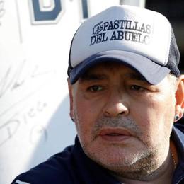 È morto Maradona