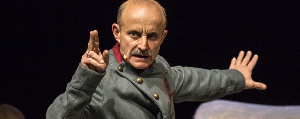 L'attore Giuseppe Cederna  «Chiudere un teatro  è spegnere un fuoco»