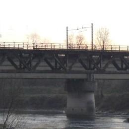 Calolzio, Ponte ciclopedonale chiuso   E sui weekend liberi vigilano i sindaci