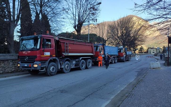 Calolzio, il ponte Vittorio Emanuele  supera la prova di carico