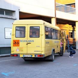 Bosisio, sorpresa di Natale alle famiglie  «Pochi bimbi, basta scuolabus»