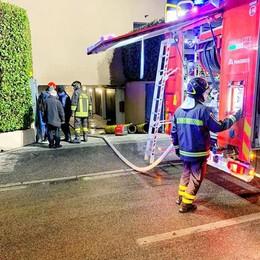 Nuovo incendio a Malgrate  Ma stavolta nessuno è ferito