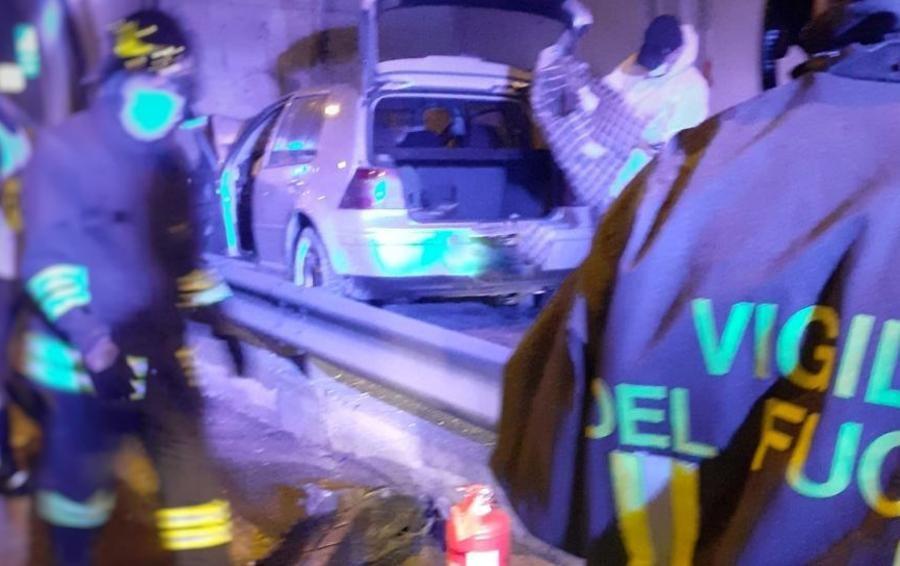 Sbanda e si schianta sulla super Incidente mortale a Dervio