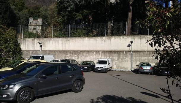 Lecco, sorpresa, il parcheggio ripulito  L'area Carsana torna alla civiltà