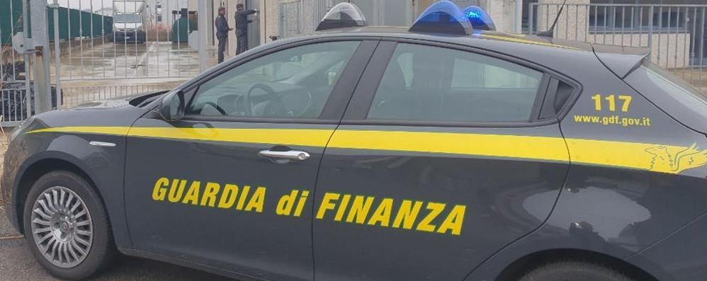 """Alta Valle, blitz della Finanza in cantiere  Trovati cinque muratori in """"nero"""" su cinque"""