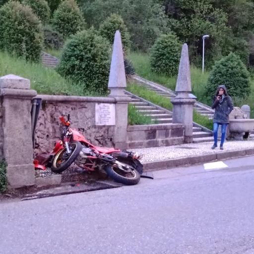 Imbersago, Scala Santa rischiosa  Sopralluogo per tagliare il muro del '700