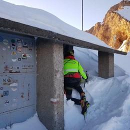 Pasturo, bloccato al bivacco Merlin  Il Soccorso alpino lo porta in salvo