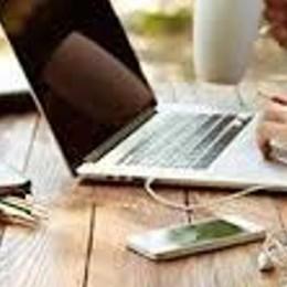 Coronavirus: smart working   nelle aziende: 4,5 milioni   di euro dalla Regione