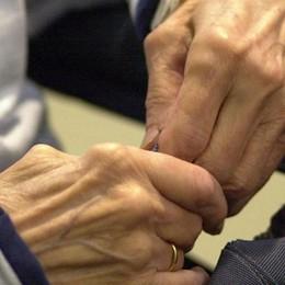 «A 84 anni sola e rinchiusa in casa  Mi sento indifesa e spaventata»
