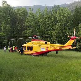 Plesio, parapendio cade sul monte Grona  Grave il pilota soccorso con  l'elicottero