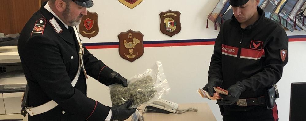 Marijuana nei bidoni della malta  Bresciano arrestato con 7 etti
