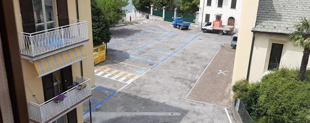 Posteggi blu a go-go  A Dervio monta la protesta
